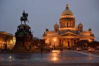 Nikolai I:n patsas ja Iisakin kirkko
