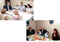Poroshenko ja Putin pitopöydissä