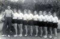 Nuori Boris Jeltsin naisten lentopallojoukkueen valmentajana