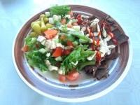 Hirvikebu salaatilla