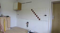 String-Emil restauroi köökkiä