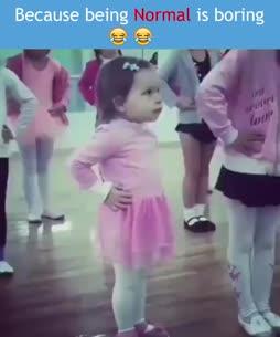Jhnna tanssilattialla