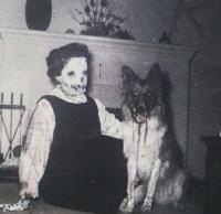 Mummo ja koira