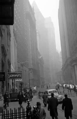 Ajan pauhun harmauteen verhoutunut NY-Gondola
